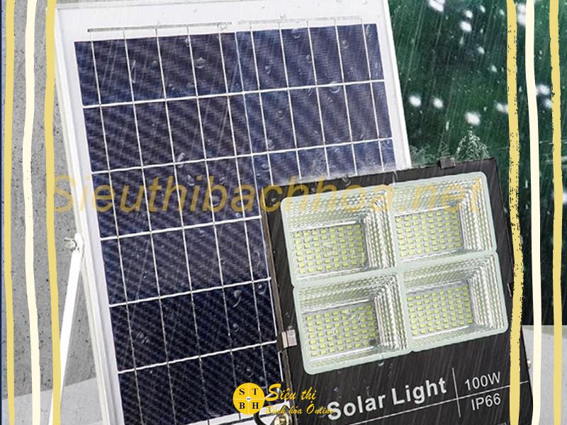 Đèn năng lượng mặt trời sử dụng nguồn năng lượng từ ánh sáng mặt trời