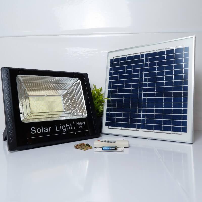 Báo giá đèn pha năng lượng mặt trời